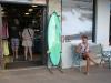 サーフィン女子 サーフショップ